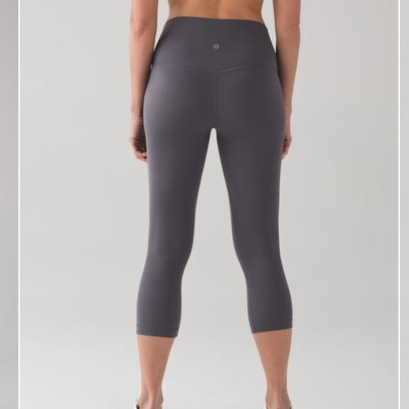 11bc8efd4 lululemon athletica Pants - Lululemon 🍋 Dark Carbon Align Crop Size 4 RARE